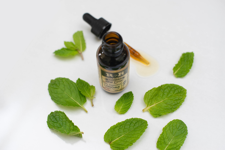 Nación Cannabis | Cosméticos a base de cannabidiol: propiedades, ventajas y asequibilidad