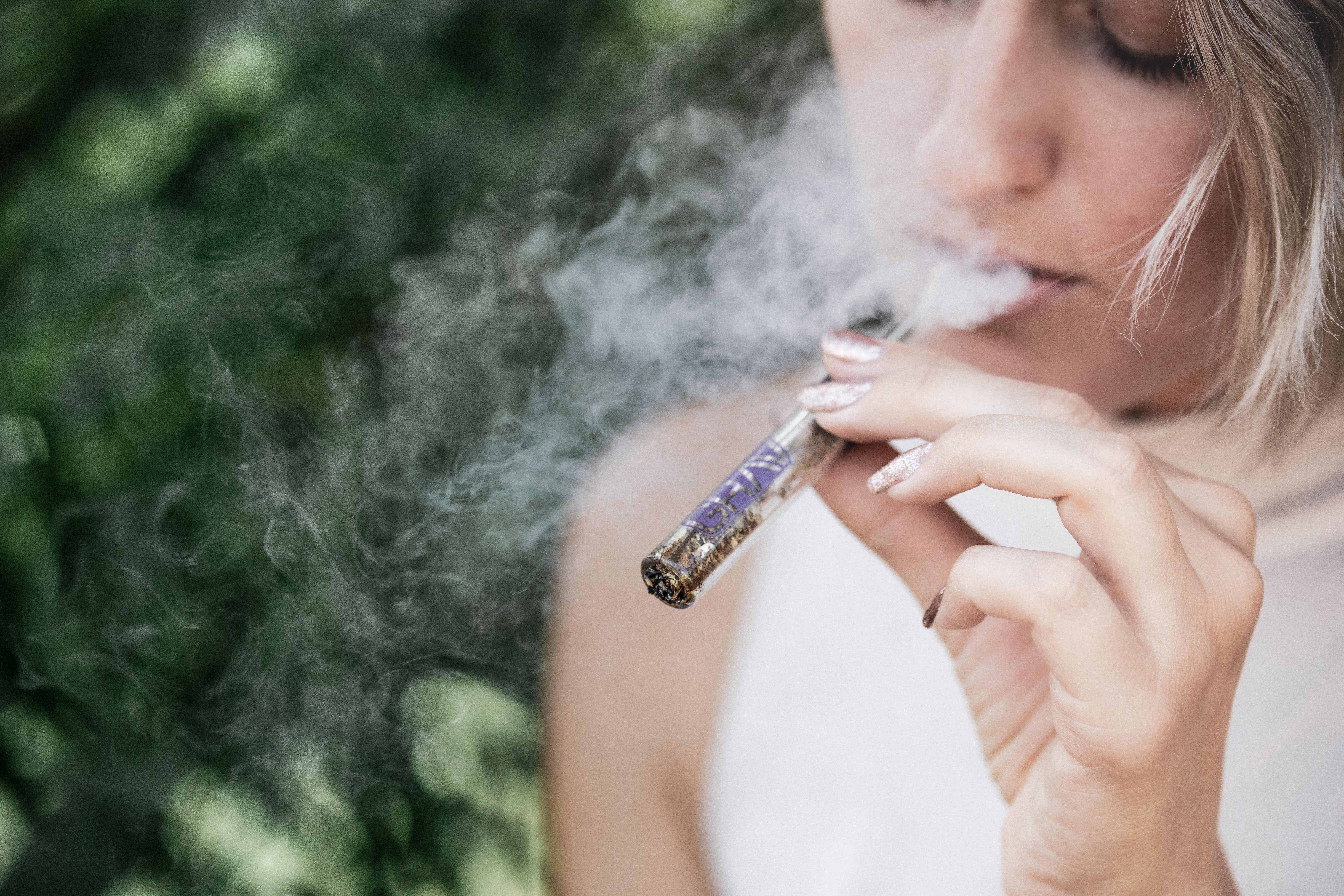 Nación Cannabis | Extraña enfermedad pulmonar podría estar relacionada con vapear cannabis