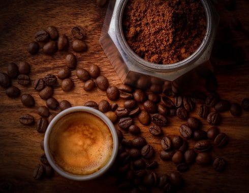 Cafeína y cannabis, esto sucede al mezclarlos